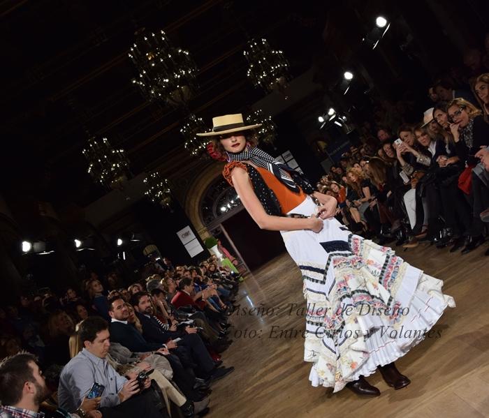 taller de diseño trajes de flamenca 2016 entre cirios y volantes