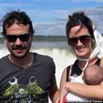 Paula Chaves y Peter Alfonso en las Cataratas con Olivia
