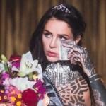 """Cande Tinelli respondió a las críticas por sus fotos con billetes de 100 dólares: """"Gracias por dedicarle tanto tiempo a mi persona"""""""