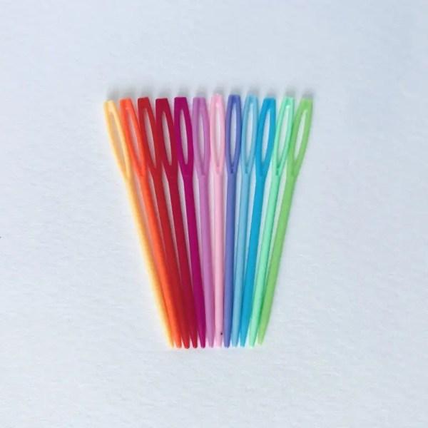 Aguja Lanera de Plástico - Colores