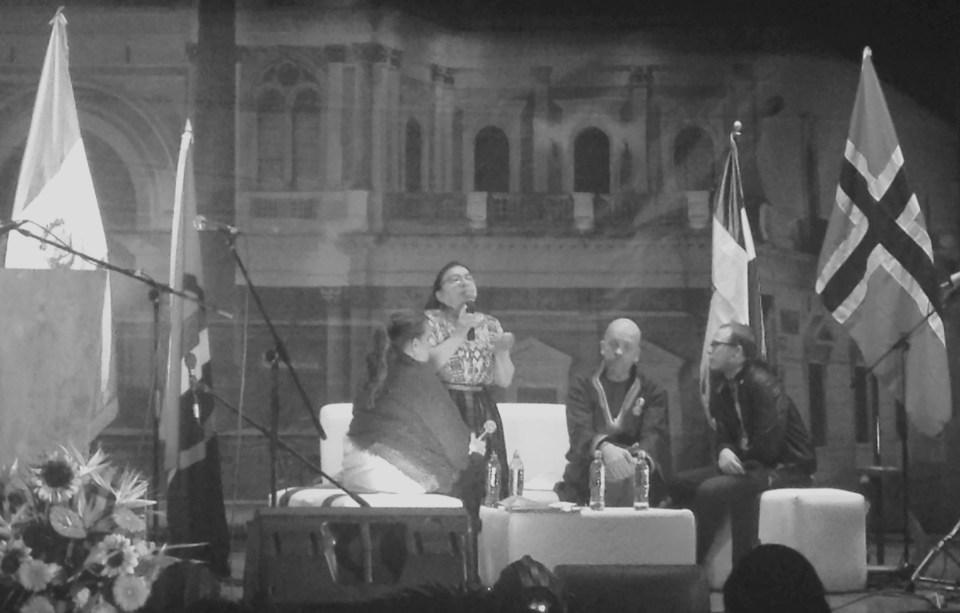 Sami Parlamient durante su visita a Quetzaltenango en enero de 2016, con motivo del 20 aniversario de la firma de los Acuerdos de Paz.