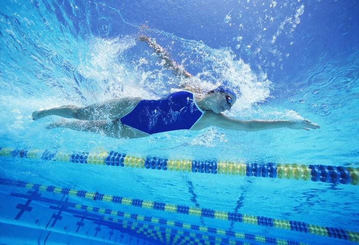 Cómo saber si estás avanzando en tus entrenamientos de natación