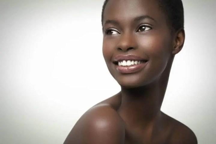 Las personas de raza negra requieren de más vitamina D