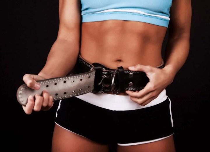 Uso adecuado del cinturón de levantamiento de pesas