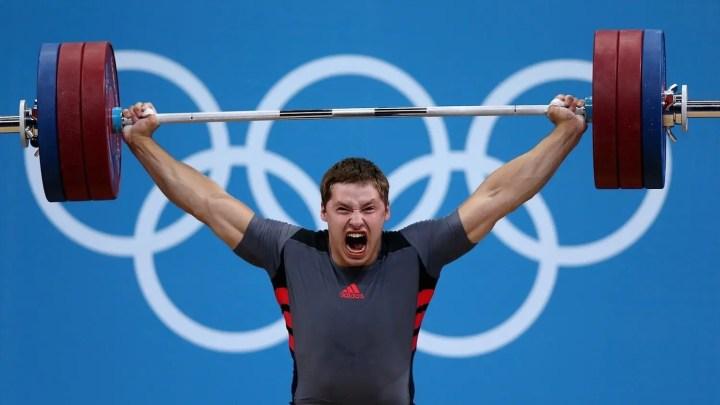 ¿Se puede practicar powerlifting si haces halterofilia?