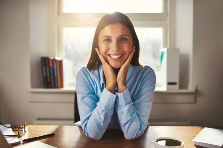 Una buena sonrisa refleja que eres una persona carismática