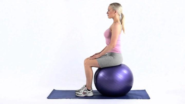 Ejercicios para entrenar el core mientras estás sentado