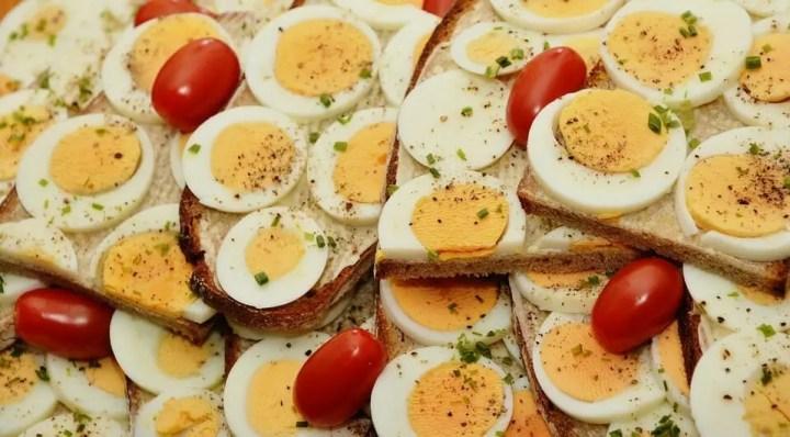 Consecuencias de comer demasiado huevo