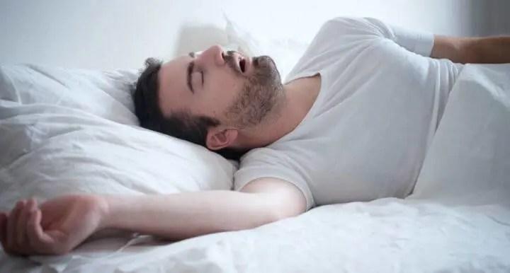 ¿Por qué duermen mejor los solteros?