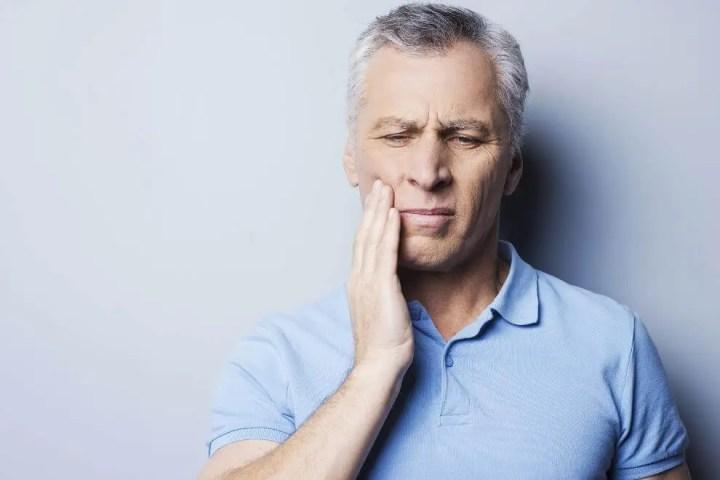¿Qué relación tiene la higiene bucal con el Alzehimer?