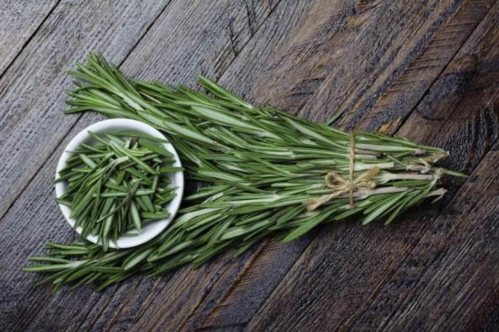El romero es una hierba antiinflamatoria