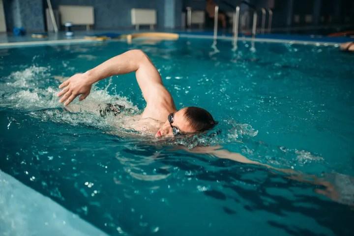 Controlar la ansiedad si te da miedo nadar