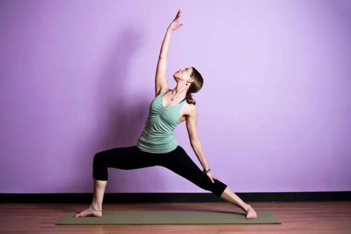 Poses de yoga para ejecutar en el trabajo