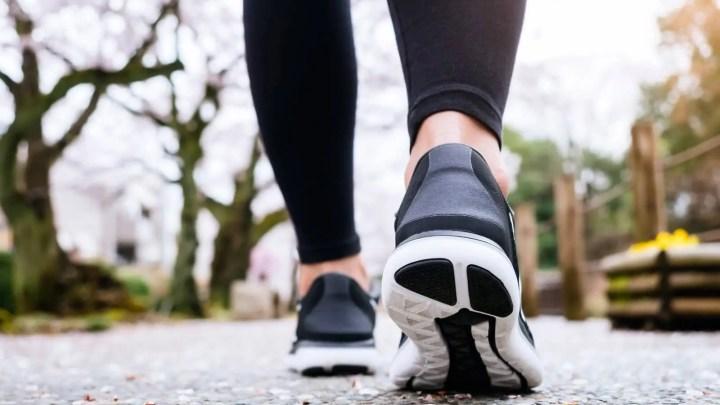 ¿Qué beneficios tiene dar 10.000 pasos?
