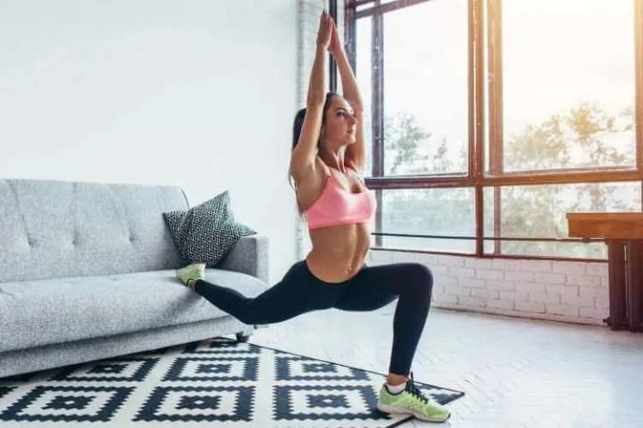 Entrenamiento que puedes hacer en el sofá de tu casa