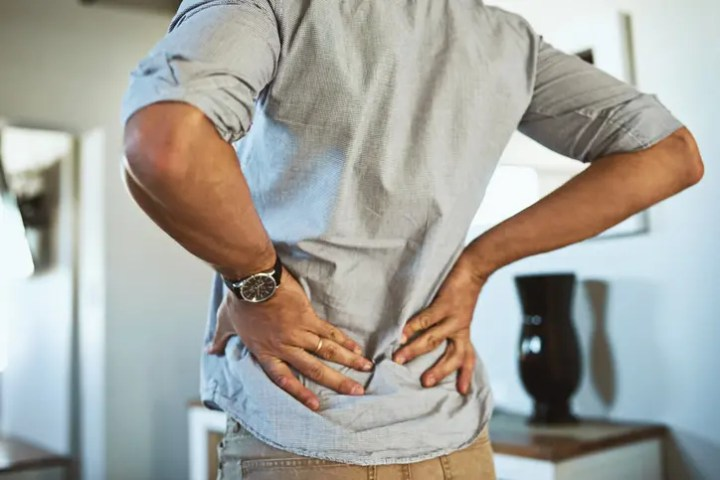 ¿Por qué me duele la espalda después de correr?