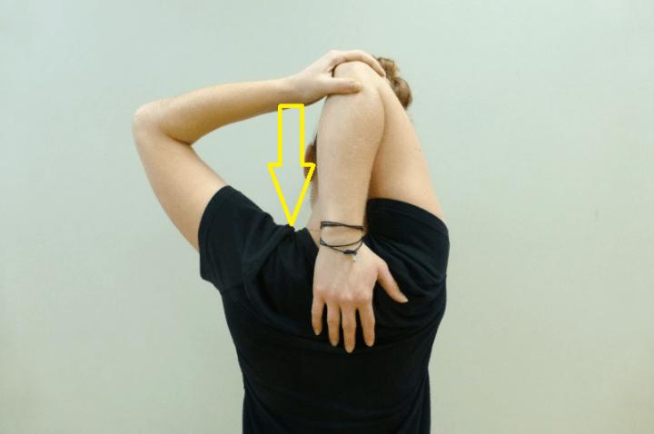 Los mejores estiramientos para hombros rígidos