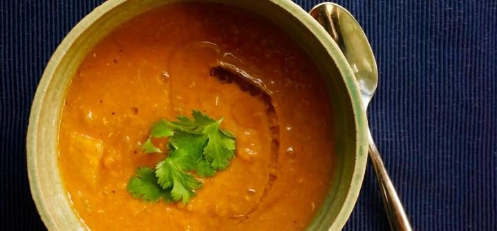 Receta de sopa de lentejas rojas con limón