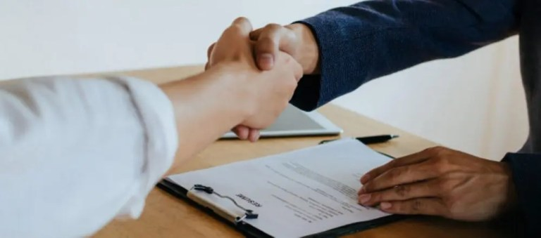 ¿Cómo llegar a un acuerdo beneficioso en una negociación exitosa?