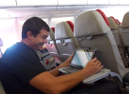 Interview of Ryan Biddulph on Entrepreneur Business Blog