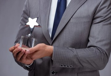 effective employees award program