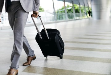 How to stop and avoid stress in business travels
