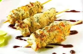 Pinchos de pollo con ajonjolí