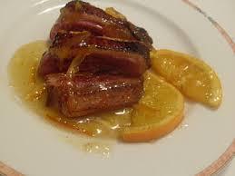 Magret de Pato con Castañas y Salsa de Naranja