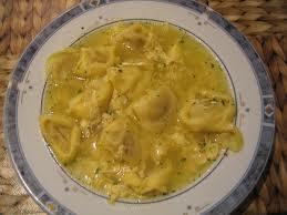 Sopa con Raviolis de Carne