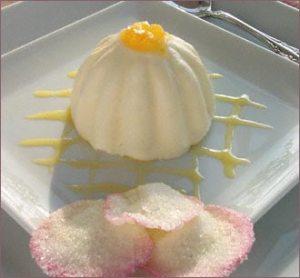 bavarois de vainilla con frescas marinadas