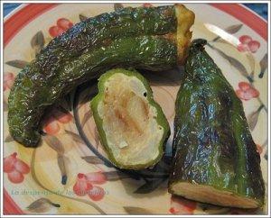 pimientos verdes rellenos de tortilla de patatas