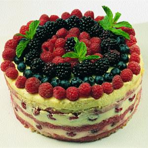 tarta con frutos del bosque