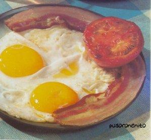Huevos fritos con bacon