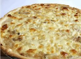 Pizza de cebolla y queso