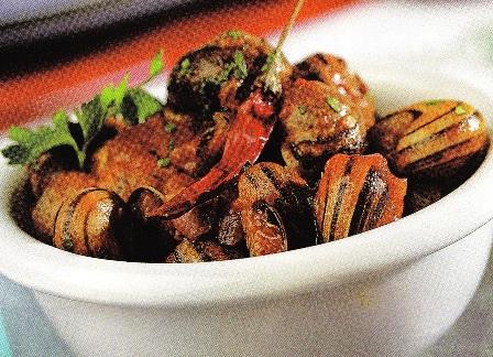 Caracoles con salsa romesco