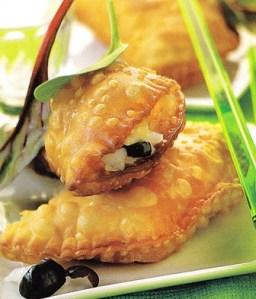 Empanadillas de camembert y bacalao