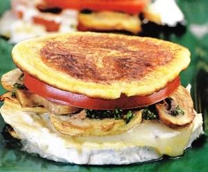 Milhojas de creps con tomate y queso de cabra