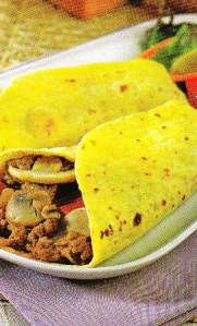 Tortitas de maíz con salteado de ternera