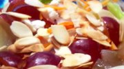 Ensalada de queso feta y uvas
