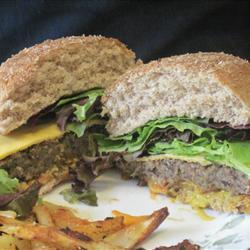 Hamburguesas caseras para vegetarianos con habas o judías