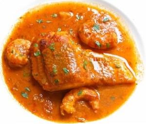 Bacalao en salsa con gambones
