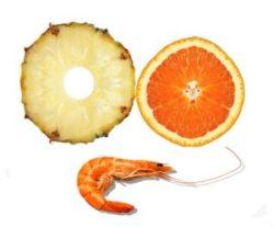 Ensalada tropical de piña y naranja