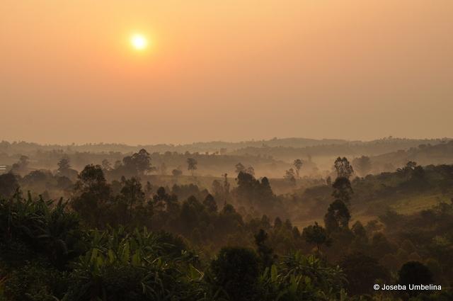 Paisaje cerca del ecuador en Uganda