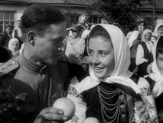 Fotograma de la película Victory on the Right Bank Ukraine (Aleksandr Dovzhenko,1944).