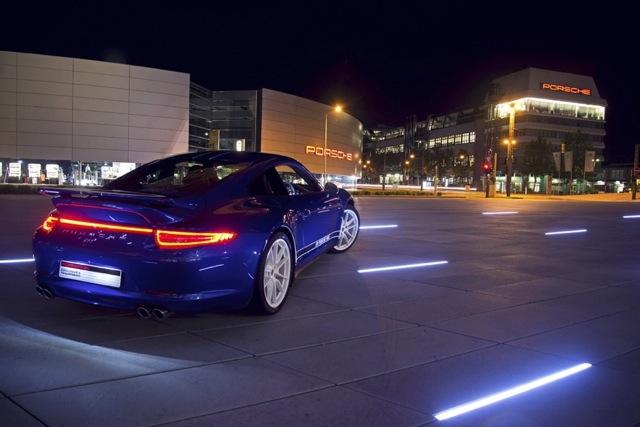 Porsche 911 I 900x600@1x