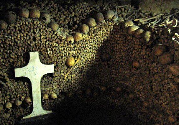 Las-paredes-de-los-huesos-humanos