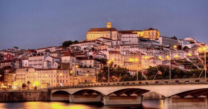 Vista de Coimbra de noche