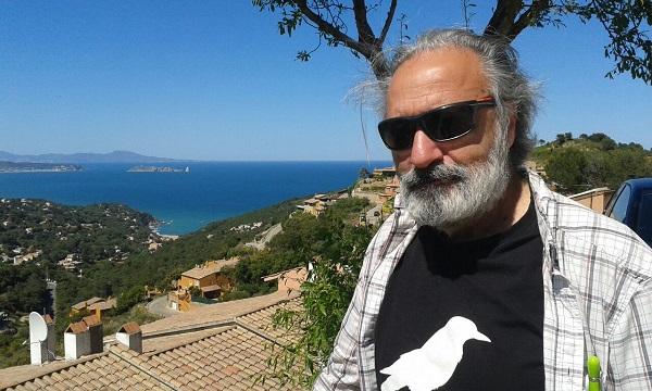 El autor con la camiseta de Getafe Negro.