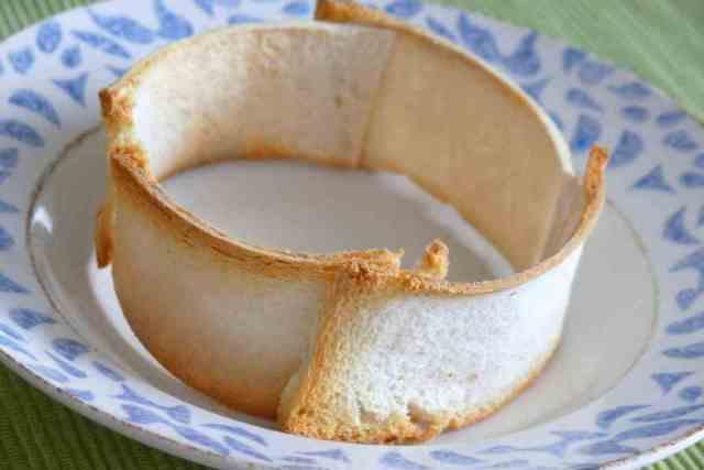 Nuestro aro de pan sirve para emplatar nuestros mejores platos y para acompañar las salsas que lo formen, porque las absorven desde el primer momento