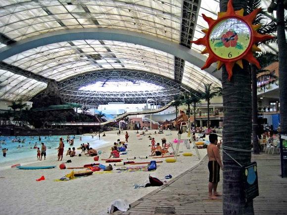 La playa artificial más grande del mundo por dentro